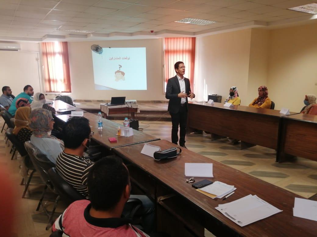 جامعة بنها تنظم ورشة عمل عن تسويق مخرجات البحث العلمي للأساتذة