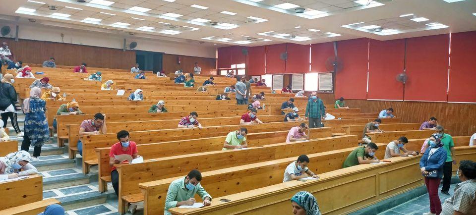عباقرة جامعة طنطا يؤدون الاختبارات المؤهلة لاختيار الفريق الممثل للجامعة في الموسم الثالث