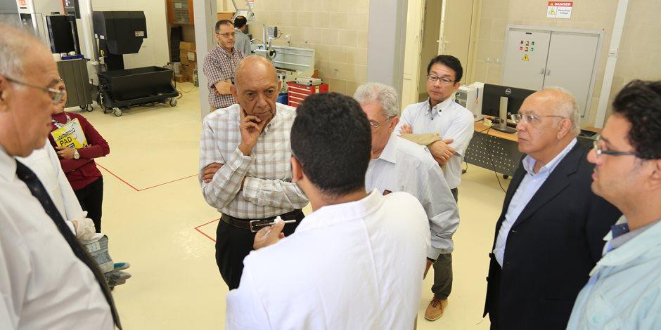 د محمد غنيم فى زيارة للجامعة