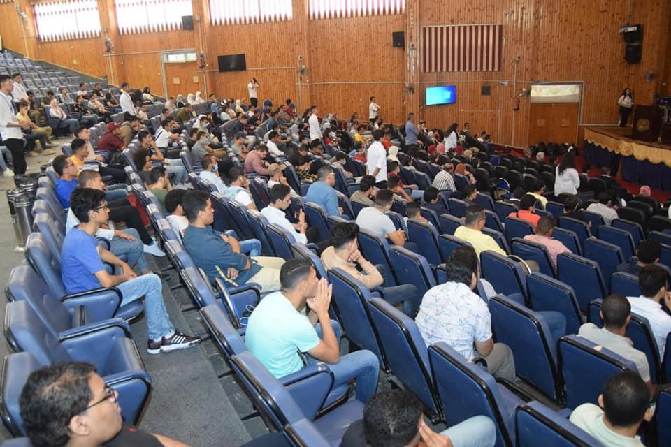 جامعة سوهاج نحتفل بطلابها الجدد الملتحقين بالجامعة المصرية للتعلم الإلكتروني الأهلية