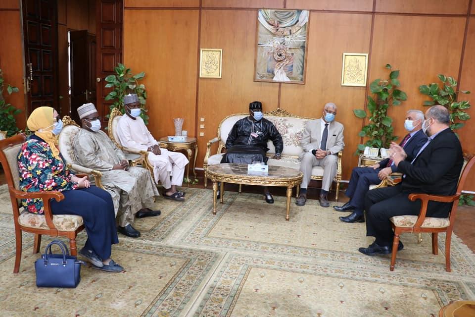 رئيس جامعة المنوفية يستقبل وفدا نيجيريا لمتابعة تنفيذ بروتوكول إنشاء مقرا دراسيا بينجيريا