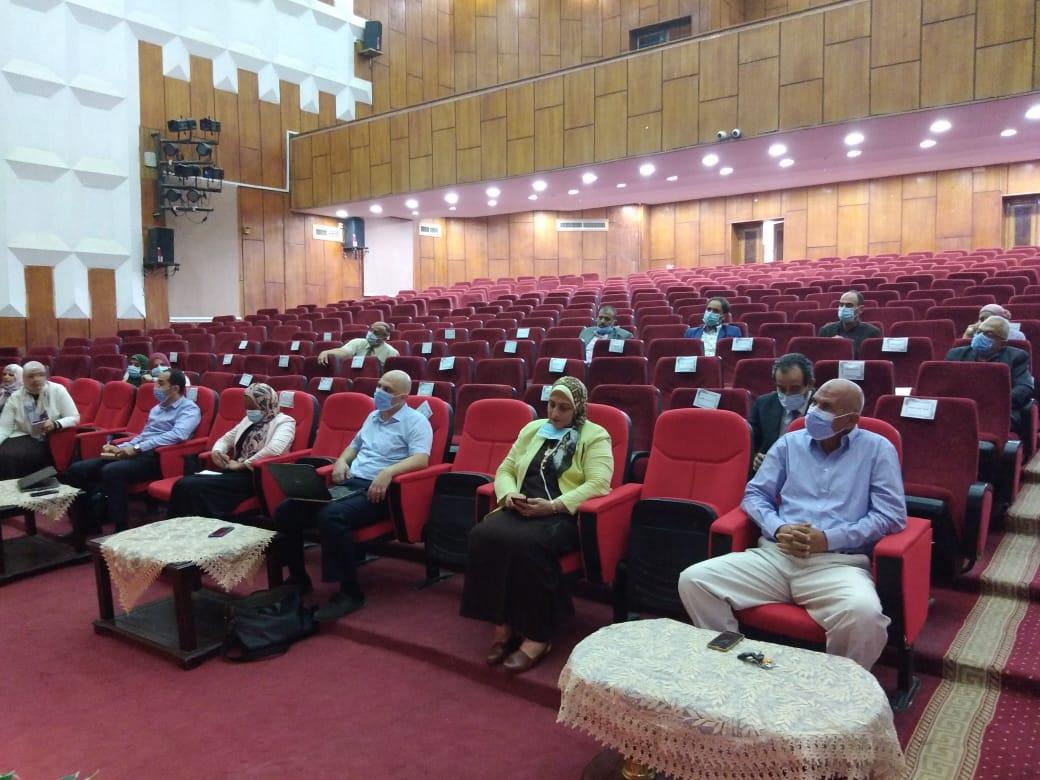 جامعة الفيوم تناقش محاور التحول لجامعة ذكية مع «الأعلى للجامعات»