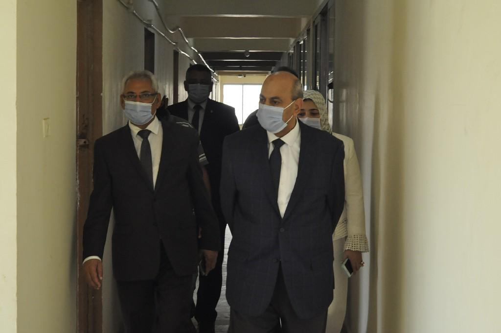 جولة تفقدية لرئيس جامعة المنيا بالمدن الجامعية استعداداً للتسكين
