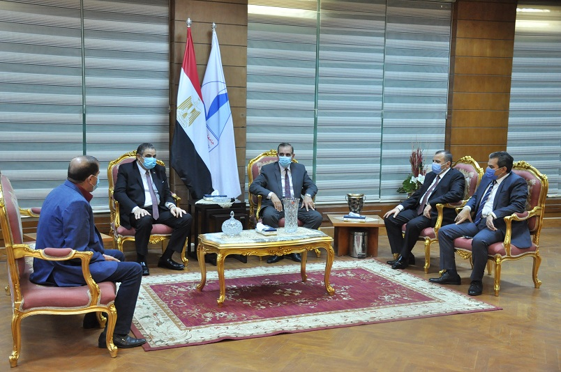 مجلس جامعة كفرالشيخ يعقد اجتماعه الشهري بحضور المحافظ
