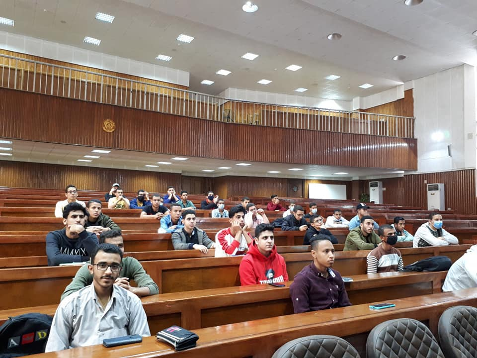 """تربية الأزهر بالقاهرة تنظم لقاءً تعريفيًّا للطلاب المستجدين بـ """"Microsoft Teams"""" وكيفية الانضمام إليه"""