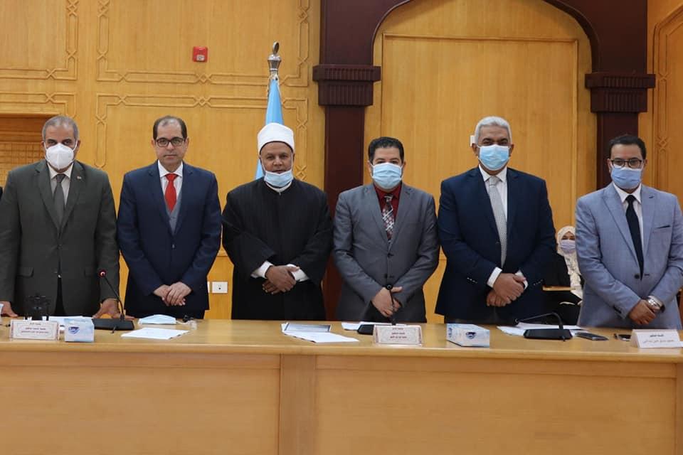 مجلس جامعة الأزهر يشدد على ضرورة الالتزام بالإجراءات الاحترازية في مواجهة فيروس كورونا