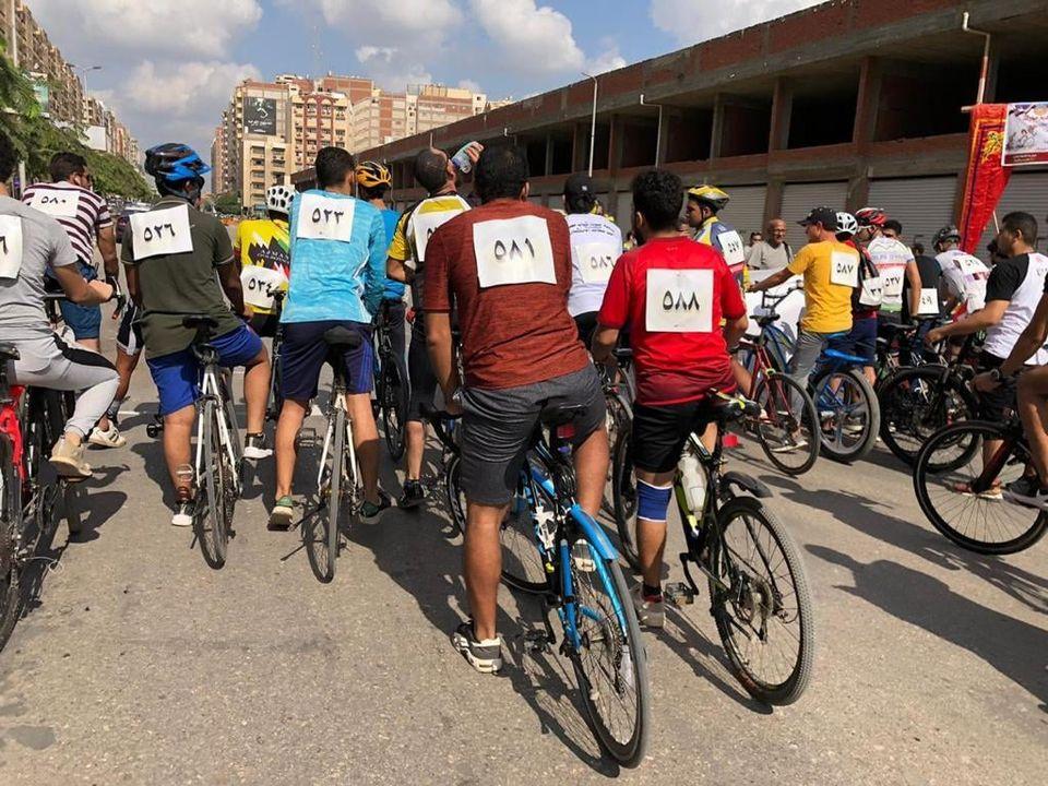 """ذوى الهمم بجامعة طنطا يحصدون المراكز الأولى فى """"ماراثون"""" الدراجات.. والتربية الرياضية تفوز بالكأس"""