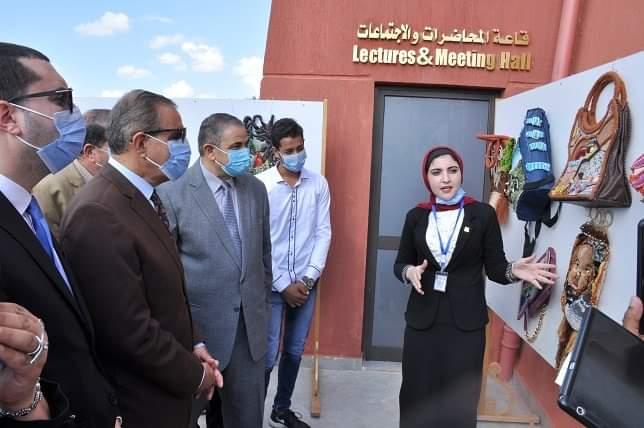 """جامعة كفرالشيخ تفتتح معرض """"المشغولات اليدوية"""" لطلاب التربية النوعية"""