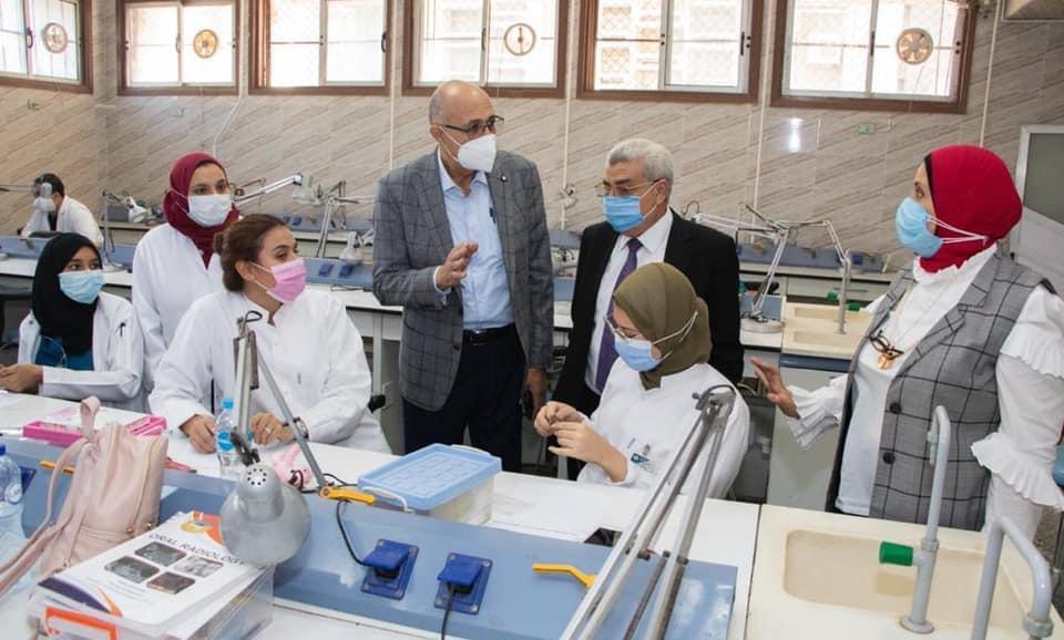 رئيس جامعة طنطا: 3 أيام للدراسة بالكليات العملية ويومان بالنظرية أسبوعيًا