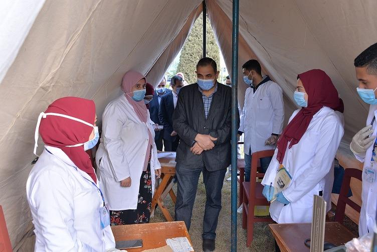 رئيس جامعة كفرالشيخ: تنظيم القوافل الطبية والتوعوية تحت مظلة مبادرات «الرئيس»
