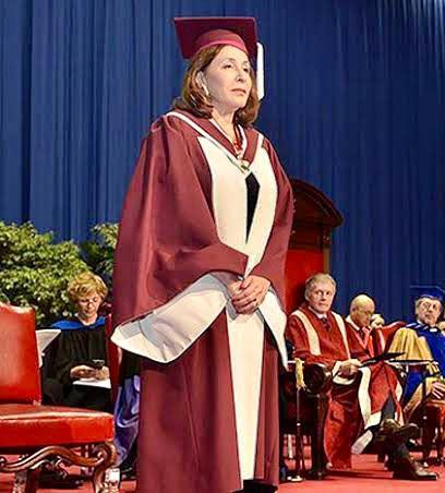 """وزير التعليم العالي يهنئ الدكتورة هدي المراغي لحصولها على أرفع """"وسام مدني"""" في كندا"""
