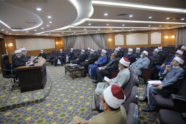 وكيل الأزهر يجتمع برؤساء المناطق لمناقشة خطة تطوير التعليم قبل الجامعي