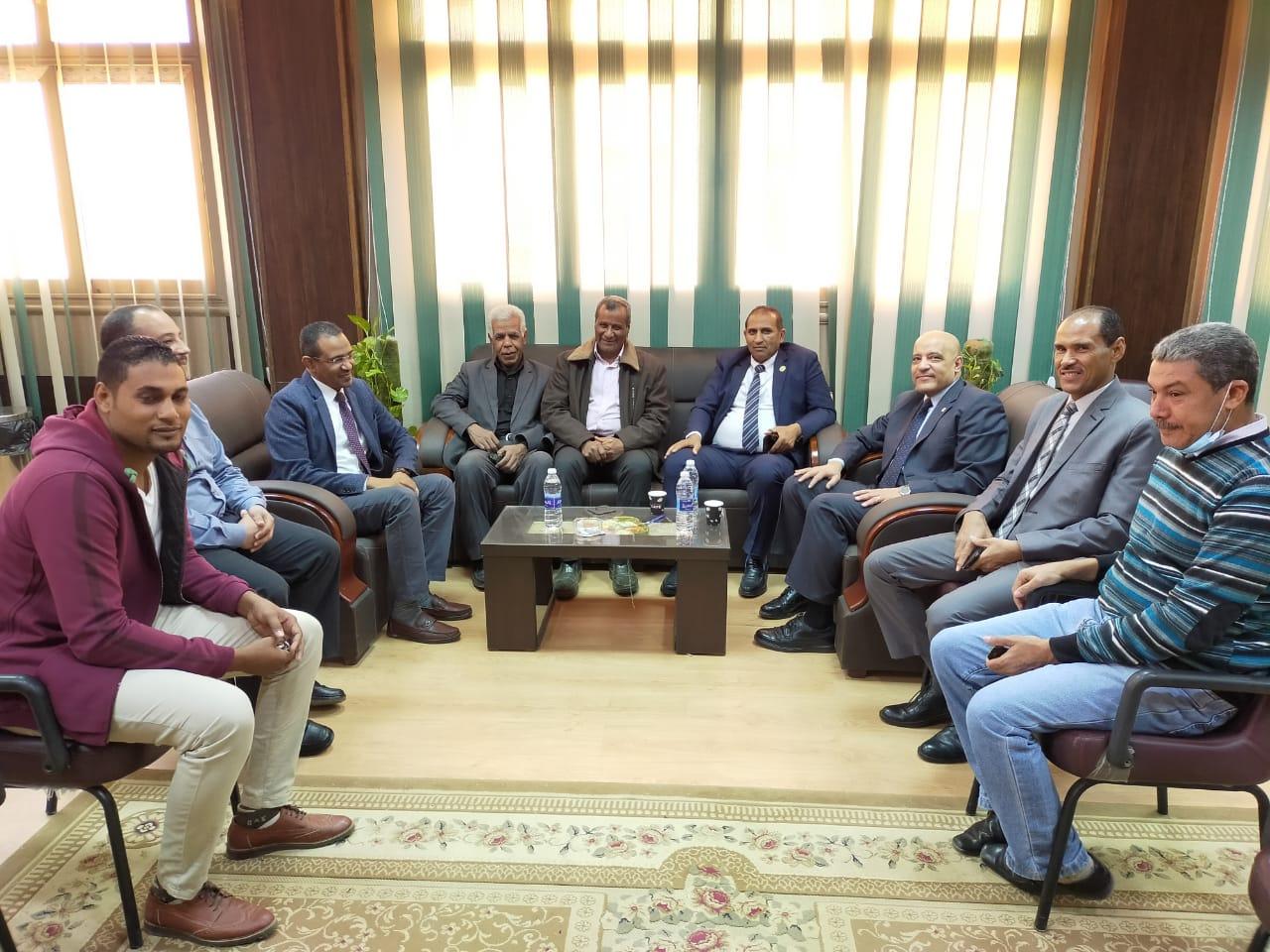 """رئيس جامعة أسوان يوقع برتوكول تعاون أكاديمي مع """"زراعة أسيوط"""""""