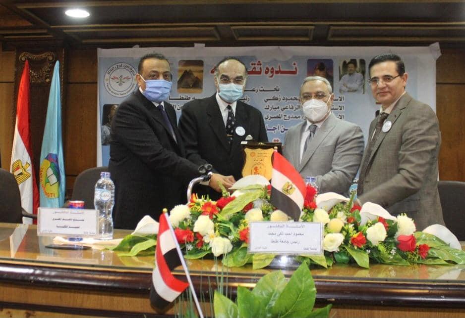 رئيس جامعة طنطا: مصر تخوض معركة الوعى فى مواجهة حروب الجيل الرابع