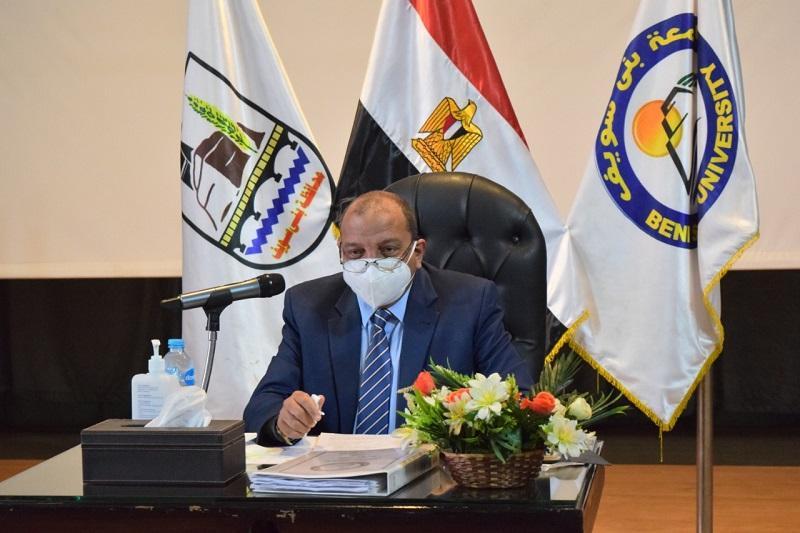 وزير التعليم العالي يصدر قرارا بتجديد تعيين 5 مديرين عموم بجامعة بني سويف