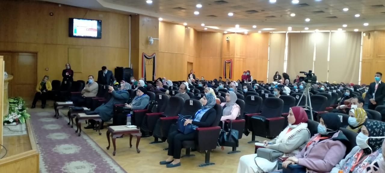 جامعة الفيوم تناقش «التحديات الاجتماعية والثقافية للمرأة المصرية»