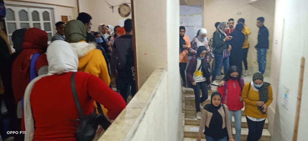 """حملة لغلق مراكز الدروس الخصوصية بحي المنتزة """"صور"""""""