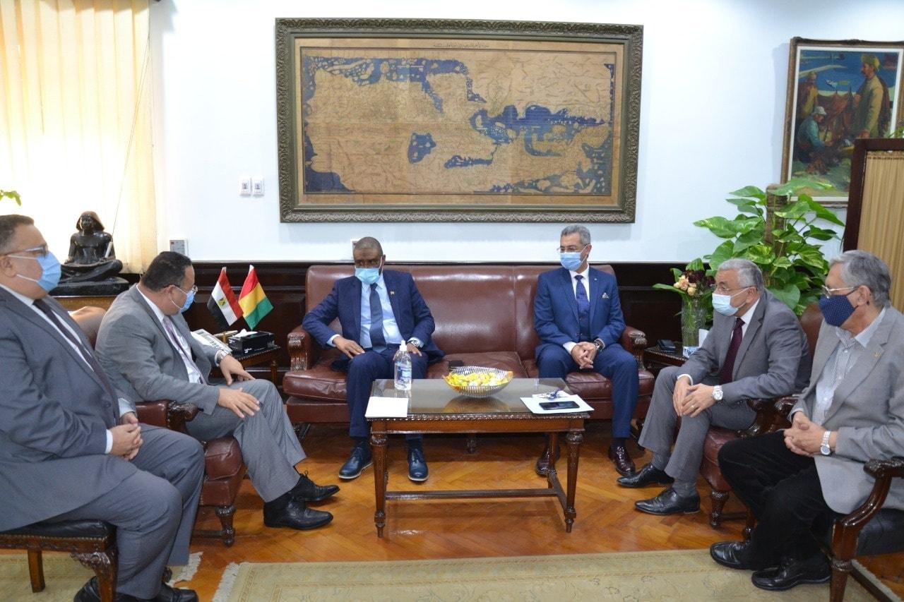 رئيس جامعة الإسكندرية يستقبل سفير غينيا كوناكري