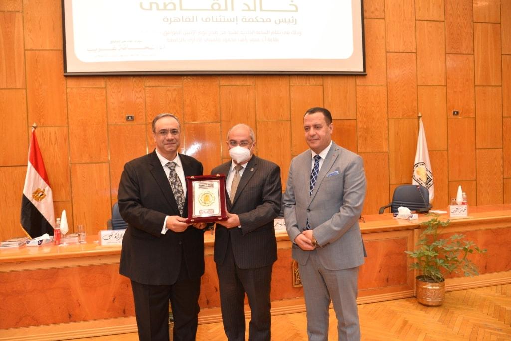 رئيس «استئناف القاهرة» يكشف عن شرط آمن لإنشاء حساب على السوشيال ميديا
