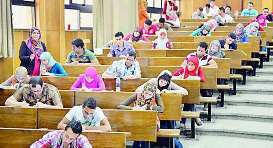 """""""التعليم العالي"""" تكشف عن 3 سيناريوهات للتعامل مع جائحة كورونا بالجامعات"""