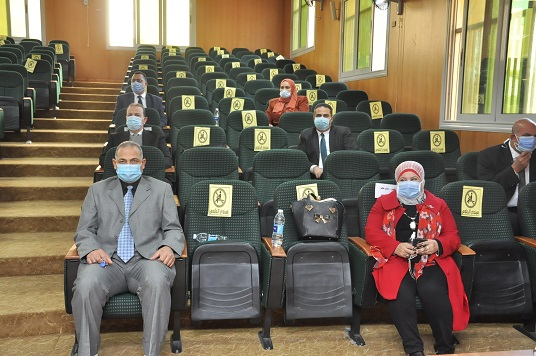رئيس جامعة كفرالشيخ: تطبيق حازم للإجراءات الاحترازية