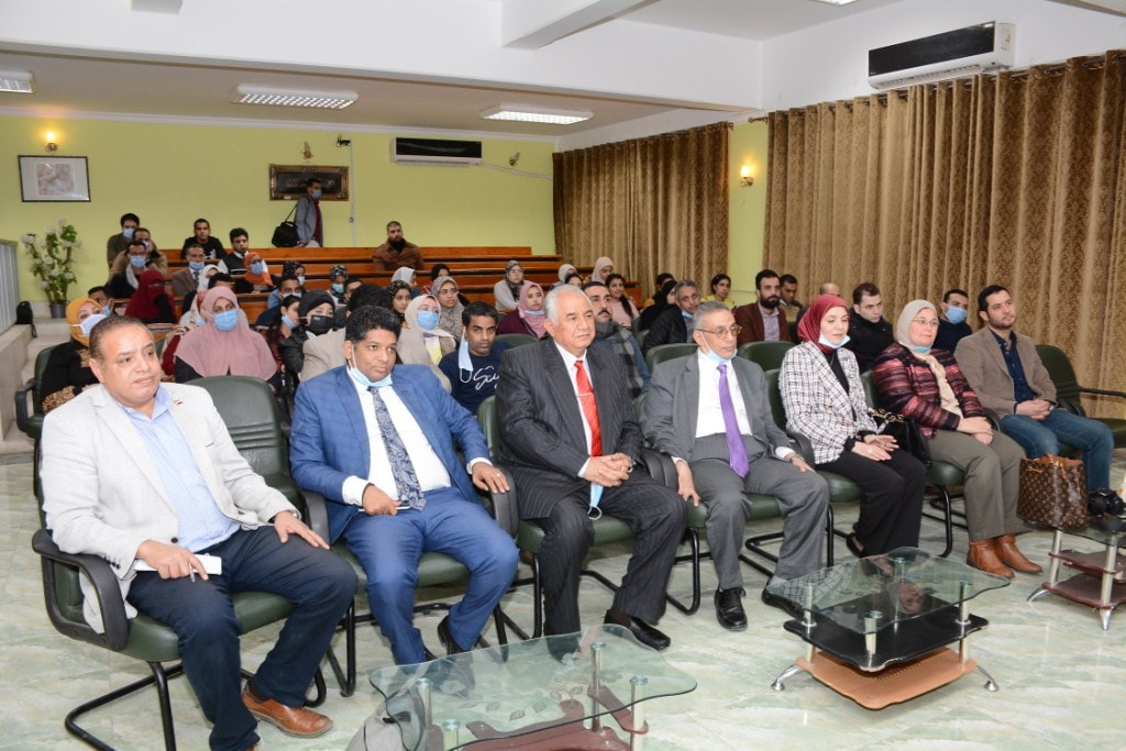 وزير الشباب والرياضة الأسبق يعلن عن توقعاته لسياسة «بايدن» على الصعيدين الداخلي والخارجي
