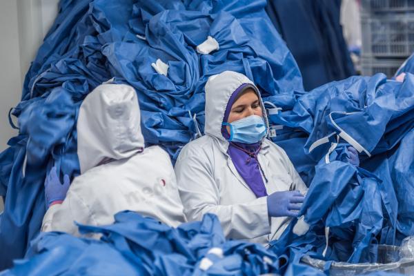 لقاح فيروس كورونا في فرنسا مجانا