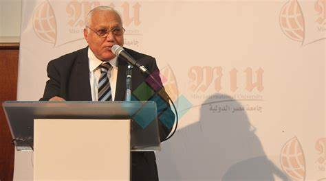 وزير التعليم العالي ينعي رئيس جامعة مصر الدولية