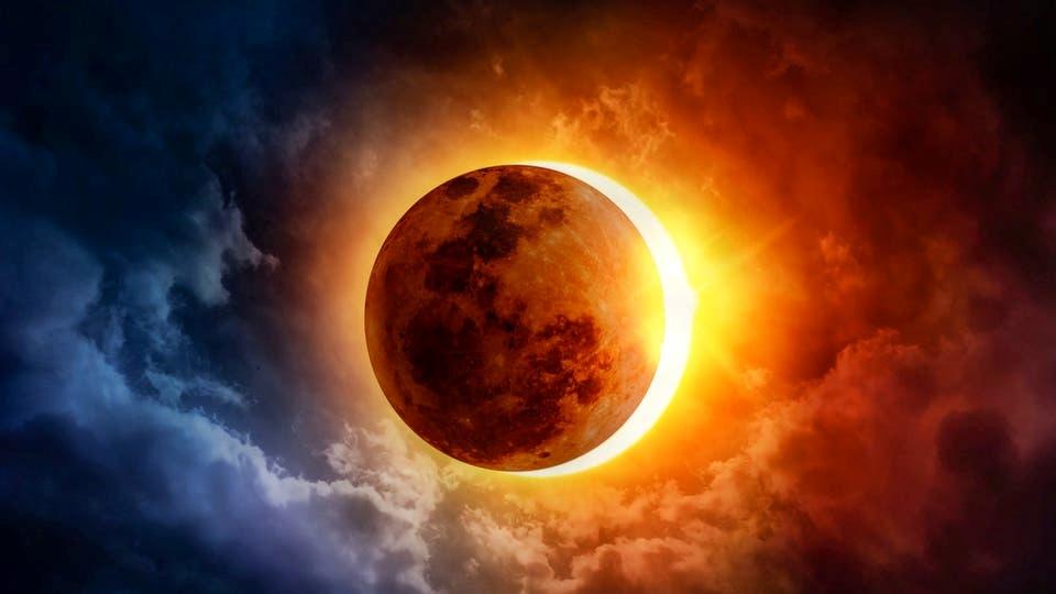 الإثنين.. كسوف كلي للشمس ولا إظلام للأرض