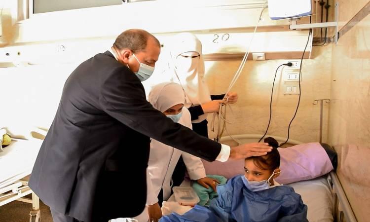 """رئيس جامعة بني سويف: الطفلة شروق تحتاج لعملية قسطرة وليست """"قلب مفتوح"""""""