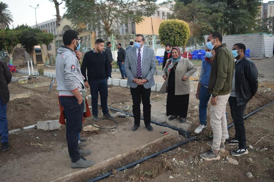 بتكلفة 450 ألف جنيه رئيس جامعة سوهاج يتابع أعمال تطوير نادي هيئة التدريس