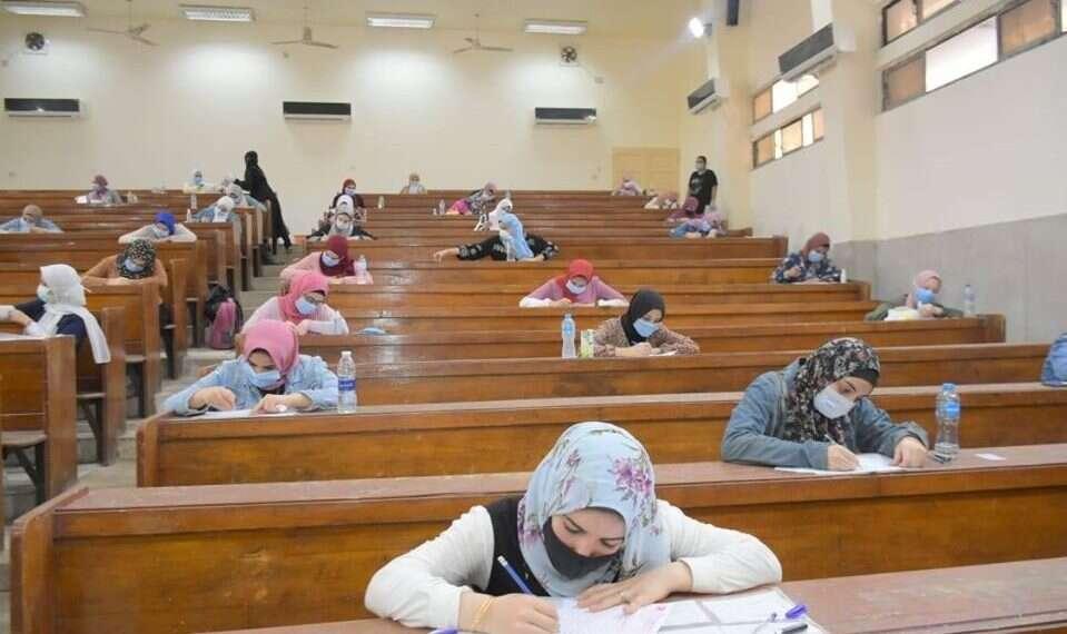 التعليم: لا مساس بامتحانات الدبلومات الفنية وجاري تحديد شكل امتحانات التكنولوجيا التطبيقية