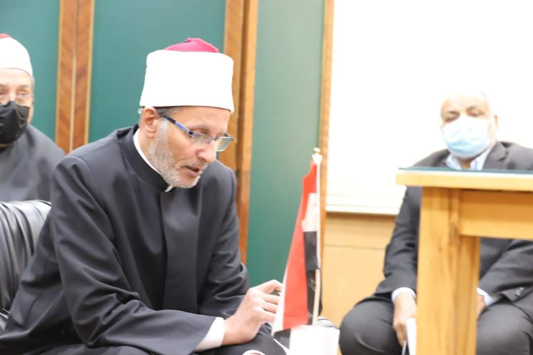 رئيس المعاهد الأزهرية يجتمع مع رؤساء المناطق استعداد للفصل الدراسي الثاني