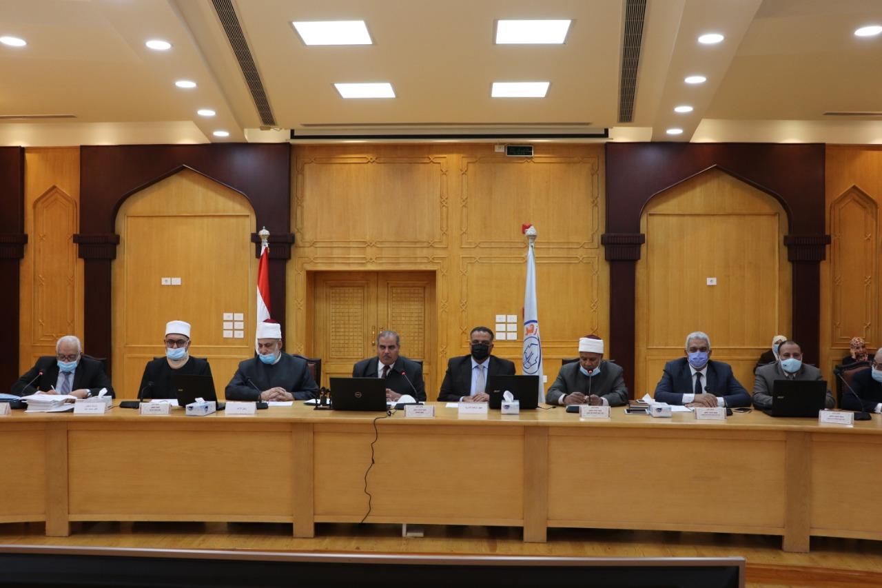 مجلس جامعة الأزهر يقدم التهنئة لرئيس الجمهورية ويترحم على شهداء الوطن