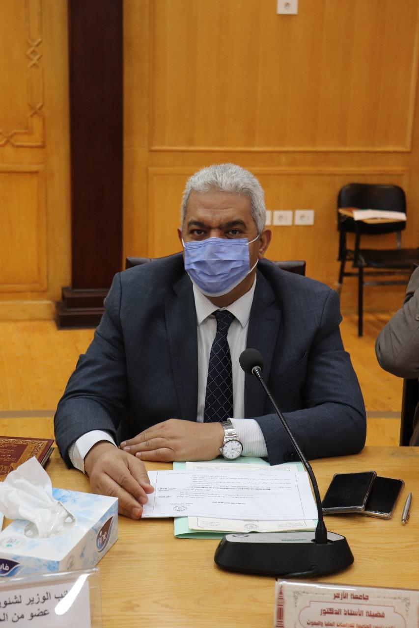 مجلس جامعة الأزهر يشيد بجهود الطواقم الطبية في مواجهة جائحة فيروس كورونا