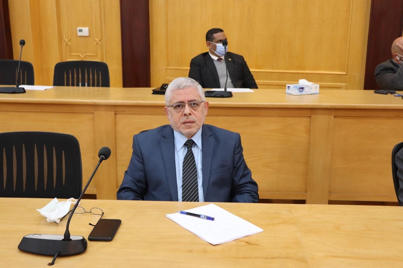 مجلس جامعة الأزهر يقدم التهنئة للشربيني بتعيينه نائبًا لشئون التعليم والطلاب