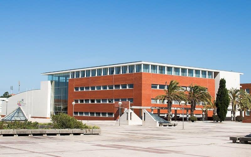 منحة جامعة أفيرو لدراسة البكالوريوس في البرتغال 2021