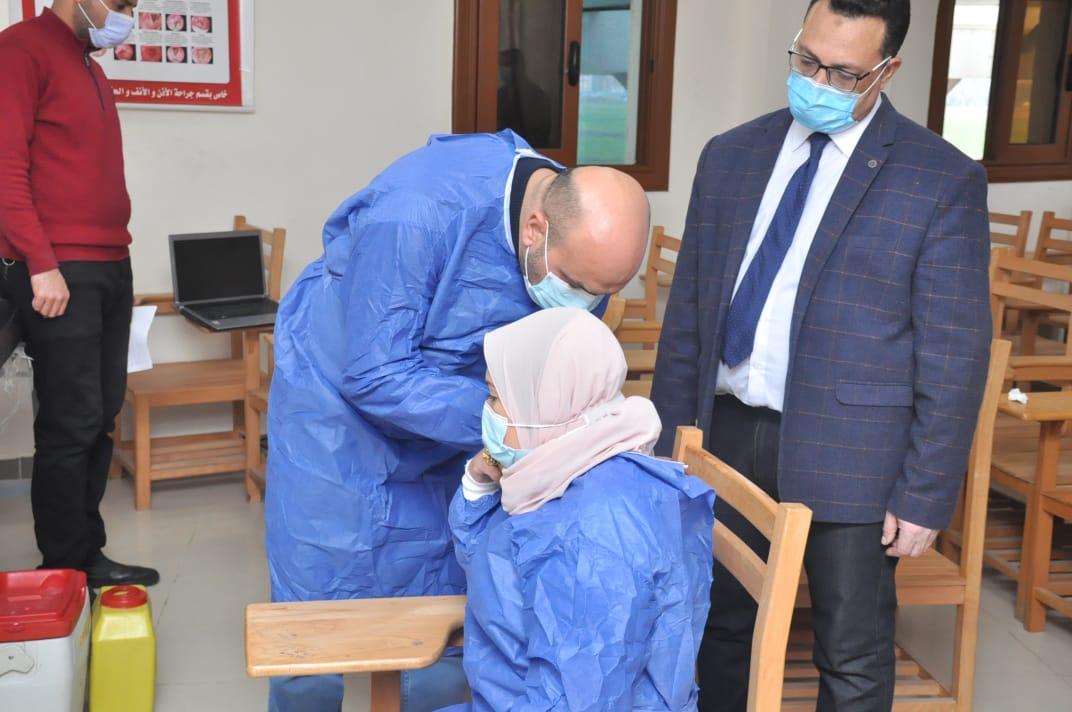 الأطقم الطبية بجامعة كفرالشيخ تتلقى لقاح كورونا|صور