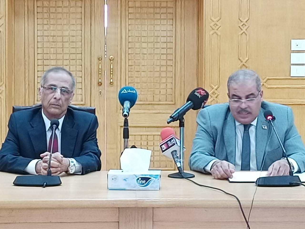 رئيس جامعة الأزهر يستقبل الرئيس التنفيذي لوكالة الفضاء المصرية| صور