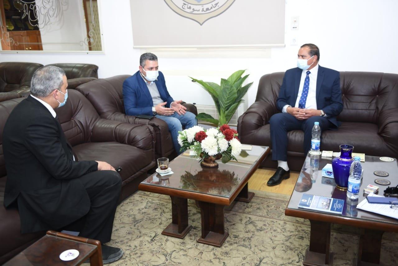 """صندوق """"تحيا مصر"""" يدعم مستشفى سوهاج الجامعي الجديدة بالأجهزة والمعدات الطبية المطلوبة"""