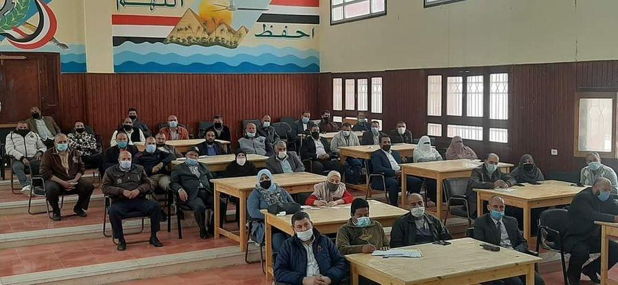 عادل عثمان: ننسق مع الطب الوقائي خلال امتحانات الثانوية وغرف عزل داخل كل لجنة