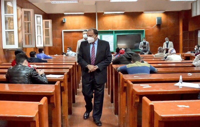 رئيس جامعة بني سويف: خطة متكاملة لتطبيق الإجراءات الاحترازية بالامتحانات