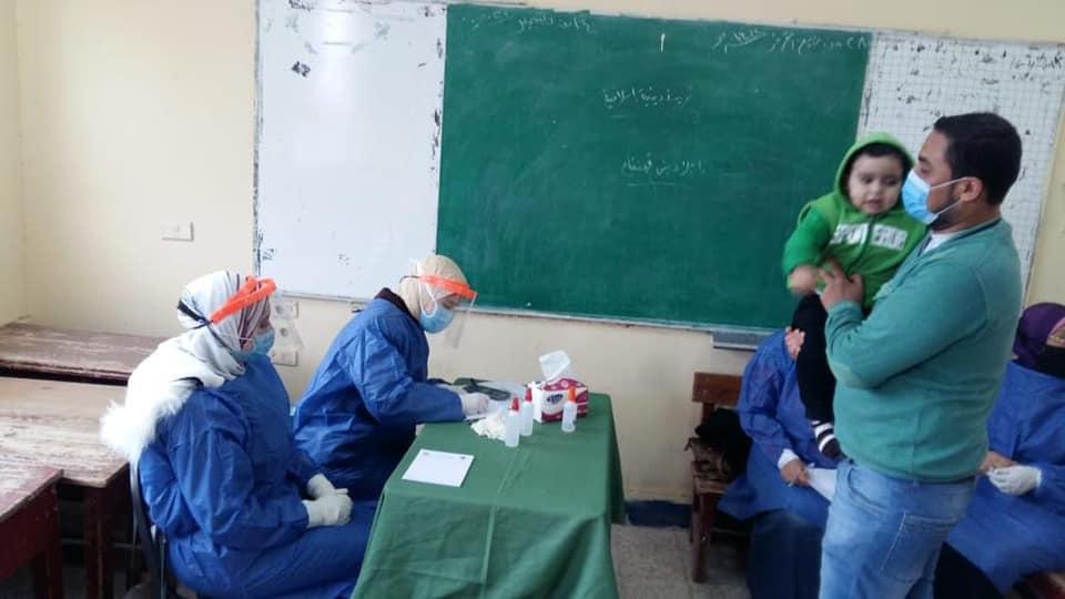 جامعة طنطا: فحص 834 حالة من أهالى «محلة خلف» وصرف العلاج مجانًا