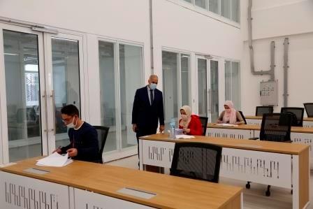 انطلاق امتحانات الفصل الدراسي الأول بالجامعة المصرية اليابانية.. صور