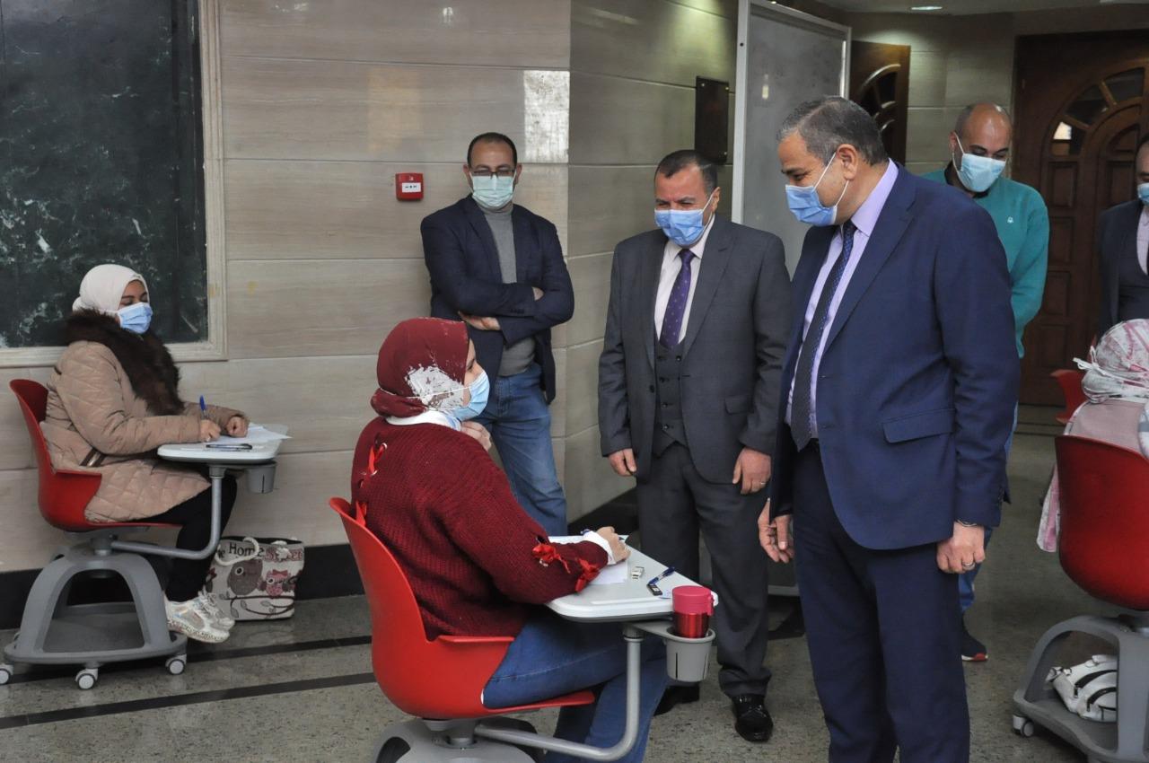 رئيس جامعة كفرالشيخ: انتظام الامتحانات وفق الضوابط التي أقرها مجلس الجامعة