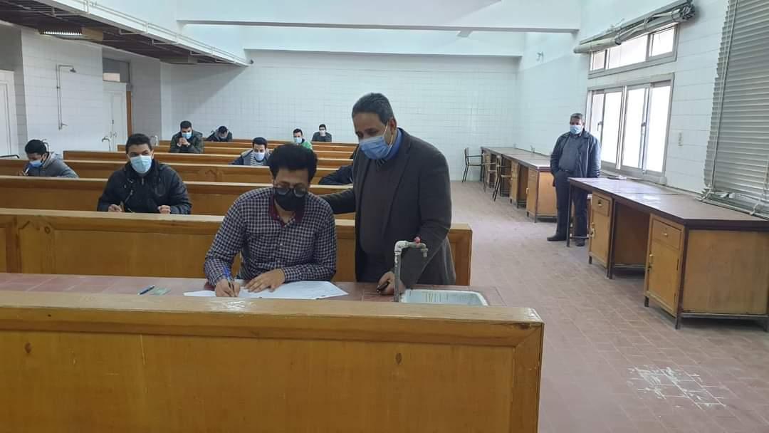 انتظام لجان امتحانات كليات جامعة الأزهر للوجه القبلي في يومها الأول
