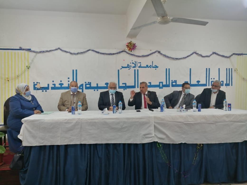 رئيس جامعة الأزهر يتفقد المدن الجامعية للوقوف على جاهزيتها لعودة الطلاب والطالبات غدا