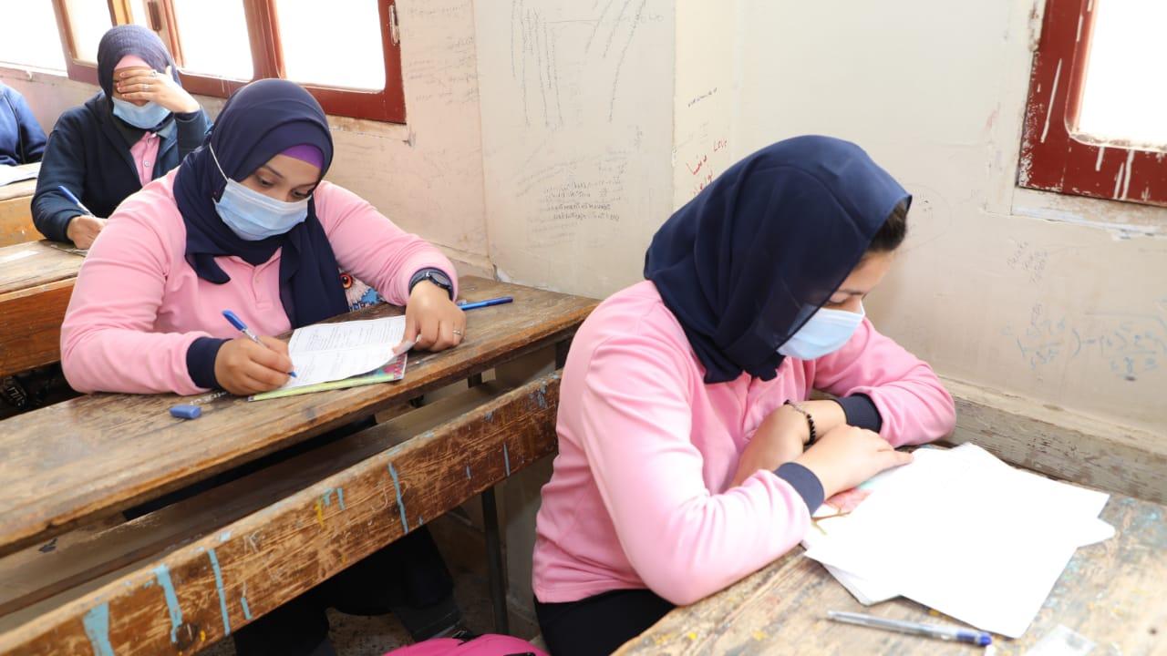 رسالة وزير التعليم لطالبة بالثاني الثانوي عن الامتحانات