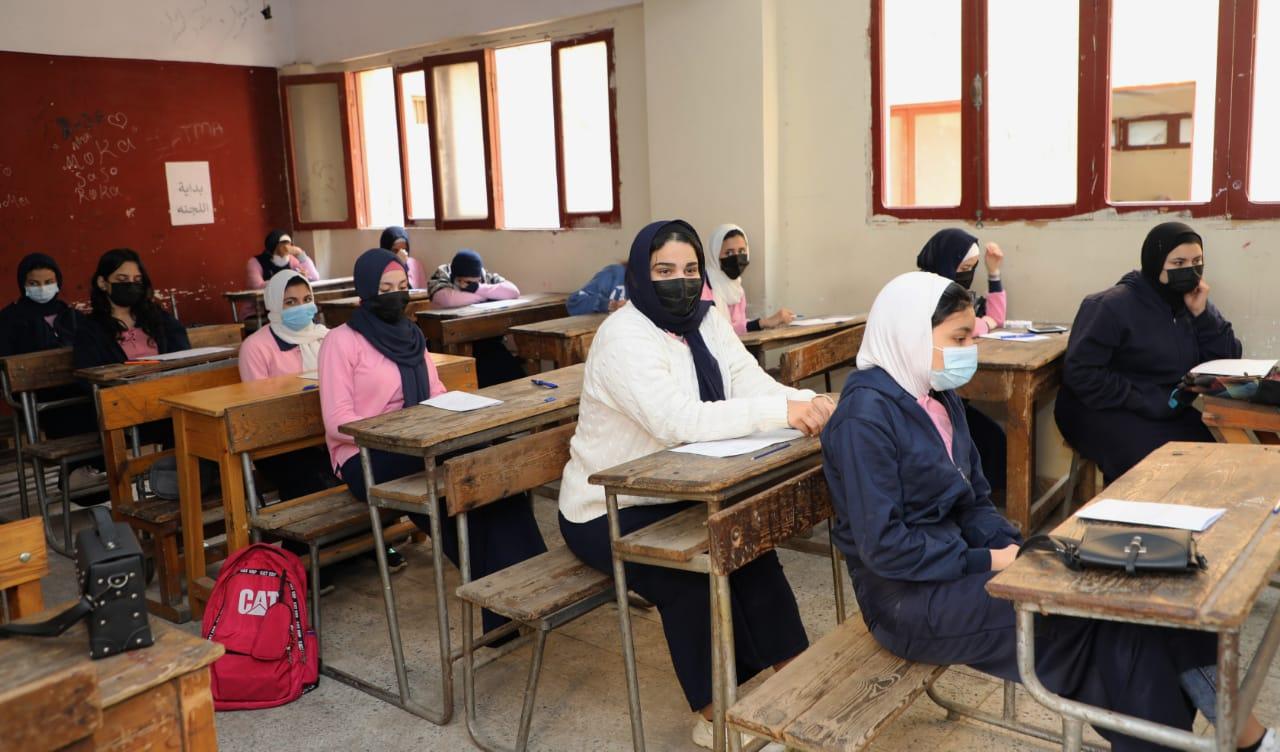 مواعيد تسليم أرقام الجلوس لطلاب الشهادة الإعدادية