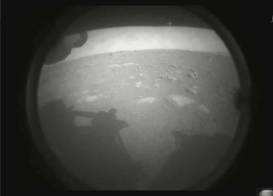 """مسبار """"بيرسفيرانس"""" يرسل الصور الأولى من على سطح المريخ"""